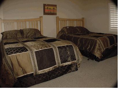 2n bedroom with 2 queens